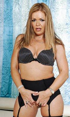 Kelly Leigh lesbo porno