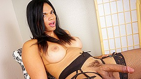 Hung morena black strokes her cock groobygirls...