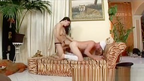 Dominatrix makes squeal with sex...