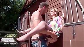 Cheating british sonia exposes boob...