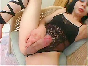 Tranny using huge dildos...