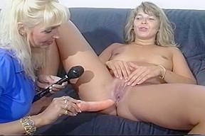 Sandra fox fisting fun with other women 04...