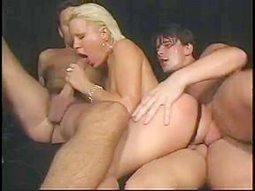 Cute blonde betwixt 2 jocks anal...
