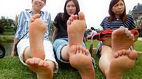 Perfect feet wiggling...