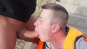 Outdoor face fucking a bisexual amateur construction worker...