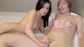 Omahunter horny tenn and lesbian action...