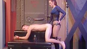 Hot english lady pounds strapon...