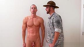 Military men jacking off and cumming spanish...