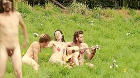 Laetitia casta kate moran group public nude sex...