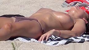 Big tits topless horny girls hd...