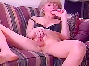 Lonely vintage ts milf jerks on pictures...