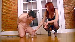 Slave drnks her piss...