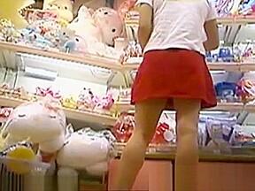 Japanese girls close up panties pursuit...