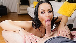 Crystal Rush in Mail-Order Milf - MommyBlowsBest