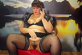 Smokes young bbw hairy by a pussy...