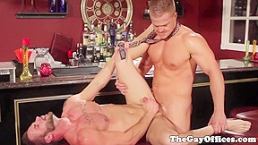 Muscled office hunks assfucking after s...