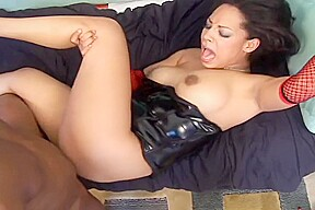Jazmine comes over to give have booty waxed...