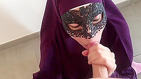 Petite salope arabe...