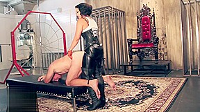 Mistress pegs and ballbusts slave...