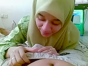 Malay legal age teenager muslim wearing her bf...