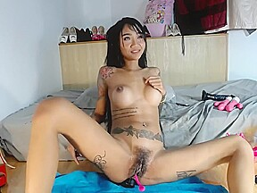 Goes wild on her gaping ass 720 p...