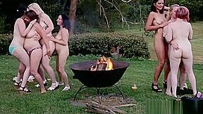 Aussie lesbians partying...