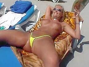 Bikini dare in calpe belle fighe in perizoma...