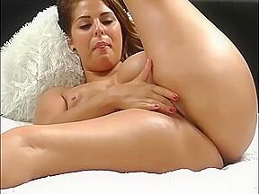 Masturbation porno show with yummy camgirl...