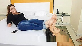 Brazilian girl suck feet friend...