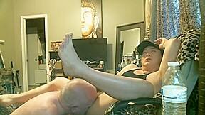 Kinky grandpa love sum piss n cum...