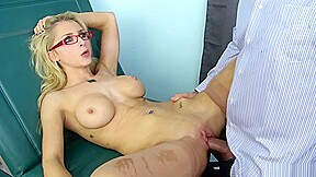 Alix Lynx Hypnotized To Become A Better Sex Doll