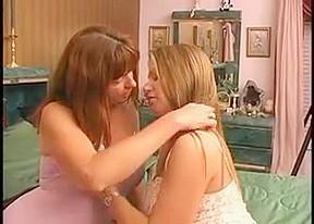 Crazy amateur Mature, Lesbian sex clip