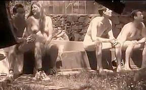 Naked Frolicen