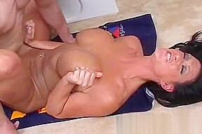 Fucks in a tanning bed...