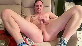 Fingers butthole then eats own cum after intense...
