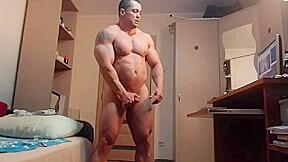 Bodybuilder jerk off...