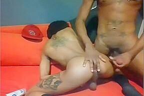 Black thug threesome on cam...