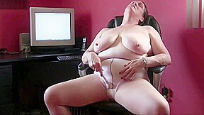 Office grannies in pantyhose need to get off...