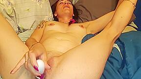 Female toy masturbate solo...