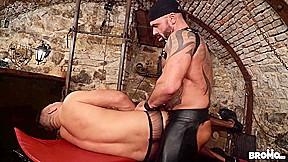 Bruno Turbo & Dee in Sexy Muscle Sub - BROMO