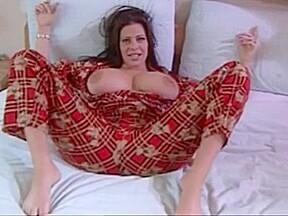 Hugeee tits...