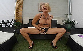 Nice granny porn...