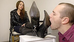 Under slave dirty boot cleaning...