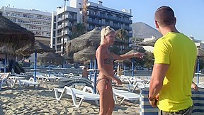 Pick-up gal on the beach and fuck her