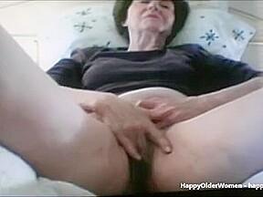 Amateur granny on skype...