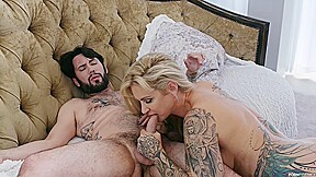 Tattooed voluptuous woman with blonde hair got fucked...