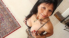 Naughty American Housewife Playing With Her Wet Pussy - MatureNL