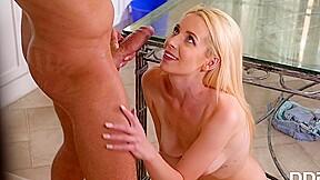 Julia rain in russian sex gets maximum orgasm...