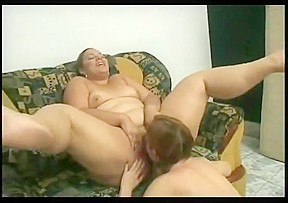 2 horny fat bbw love to suck pussy...