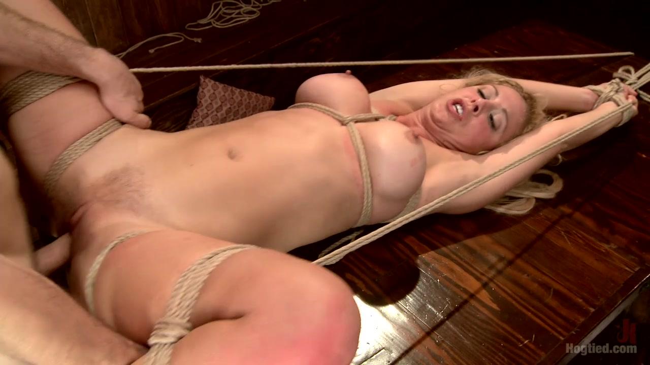 Zooey deshanel nude